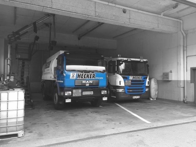 heizoel tankwagen bei der beladung