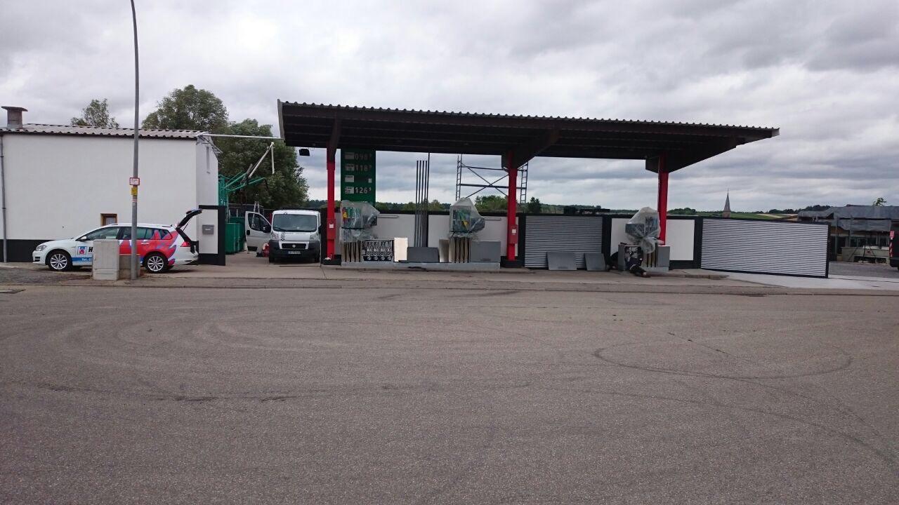 Installation Zapfsäule Tankstelle Gemmingen Frontansicht